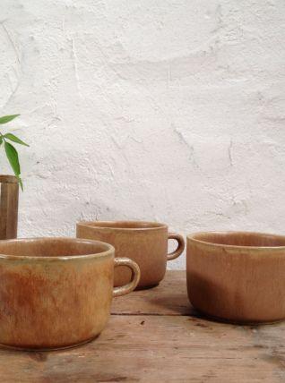 Trio de grandes tasses en grès
