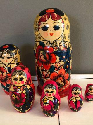 7 (grandes) poupées russes Matriochka vintage