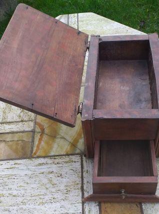 Ancienne gande boîte ou coffret en bois