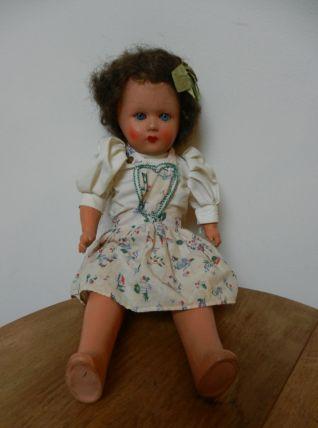 jolie poupée vintage