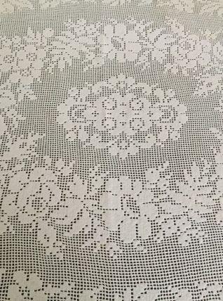 Linge de table ancien : Nappe dentelle au crochet