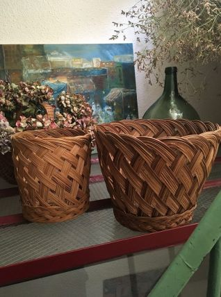 2 cache pots assortis en osier tressé.