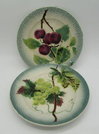 2 assiettes barbotine St-Amand et Hamage fruits