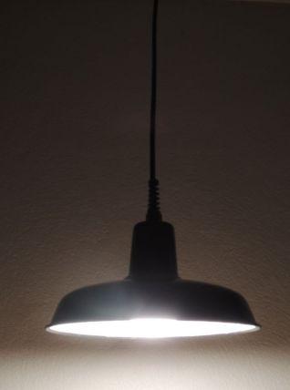 Suspension émaillée noire