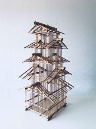 Grande cage à oiseaux asiatique en bambou