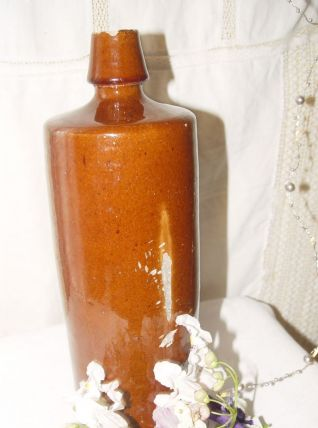 Ancienne bouteille ronde en grès vernissé brun