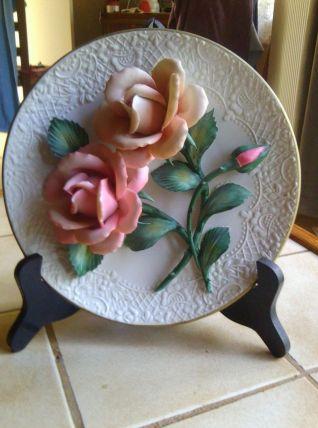 Assiette décorative The Roses of Capodimonte en porcelaine