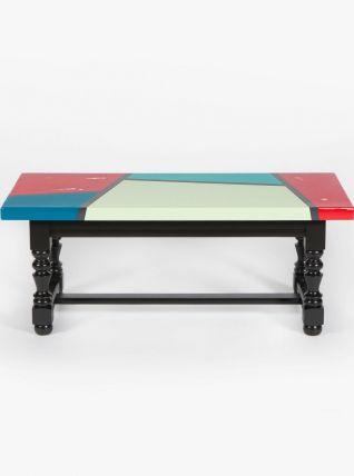 Table basse design géométrique coloré en chêne massif