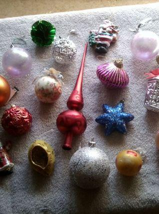 Lot coloré de 16 boules de Noel+1 cimier vintage déco sapin