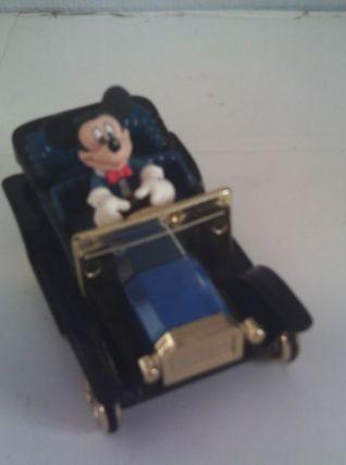 Petite voiture Mickey Disney