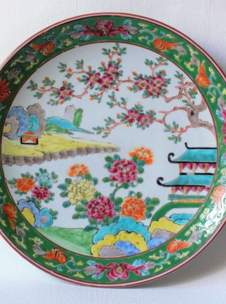 Ancien plat chinois décor nature et pagode.  Plat chinois.