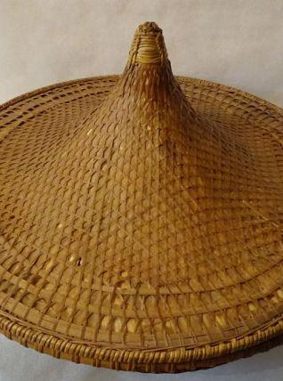 Chapeau chinois et corbeilles