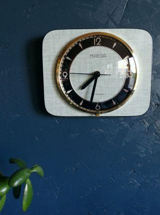 """Horloge vintage, pendule murale """"Mireda vert tendre et doré"""""""