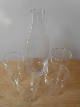 4 gobelets et carafe  (0,65l) en verre transparent