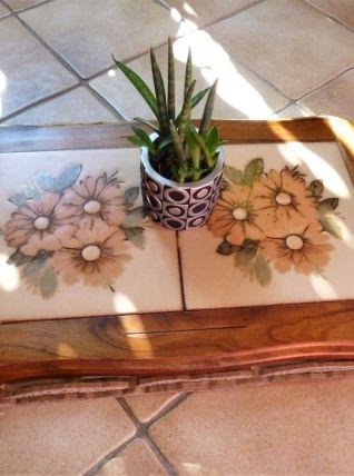 Plateau en bois avec carreaux céramique - dessous de plat.