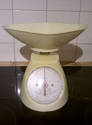 Balance de ménage vintage Japy Salter