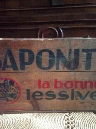 """Caisse en bois publicitaire """"Saponite - La bonne lessive"""""""