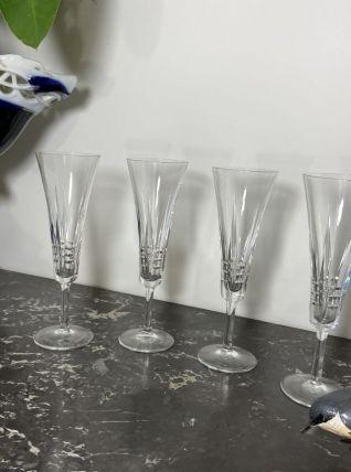 Série de 4 flûtes à Champagne vintage en cristal