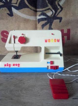 Machine à coudre vintage - Yougoslavia