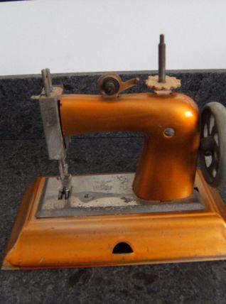 collection machine à coudre jouet en tôle