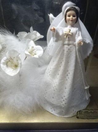 Ancienne poupée communiante des années 60-70