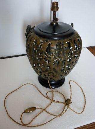 rare lampe en bronze avec tete de chérubin
