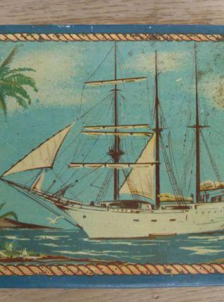 Boite à sucre ancienne décor bateau