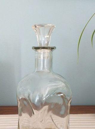 Carafe  verre martelé avec bouchon