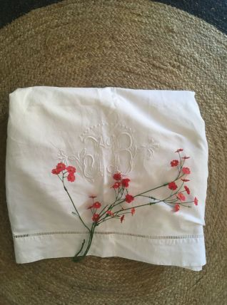 Drap blanc ancien en coton blanc brodé