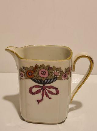 Petit pot à lait porcelaine de Limoges PL décor floral