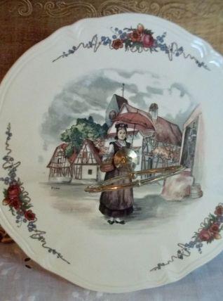 plateau à fromages de Sarreguemines Obernai décor H.Loux TBE