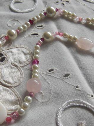 Collier perles de verre et quartz rose