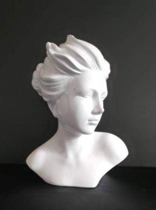 buste femme en céramique blanche