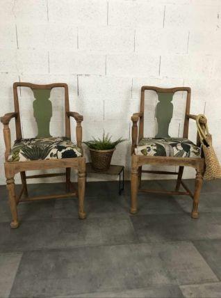 Paire de fauteuils anciens