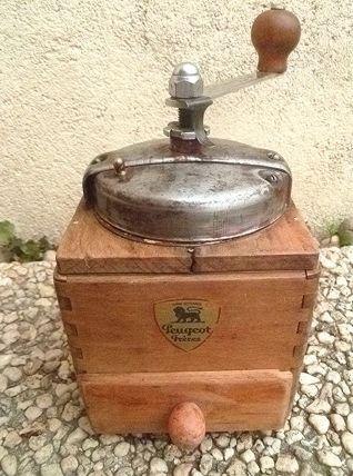 moulin  a café Peugeot  frères, vintage