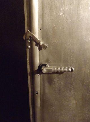 Armoire métal indus à collonne.