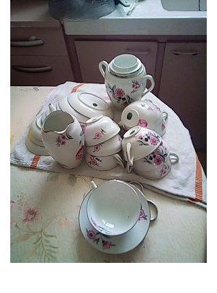 un service à café ou thé 12 pièces en porcelaine fine de Li