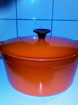 Cocotte vintage orange en fonte émaillée, Le Creuset