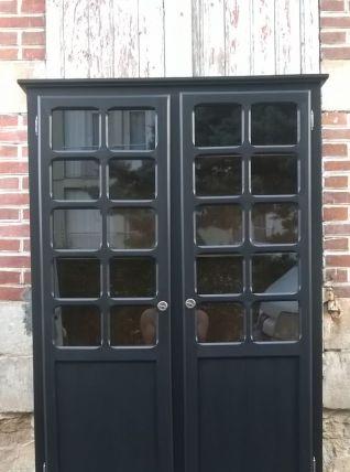 armoire vitrine parisienne