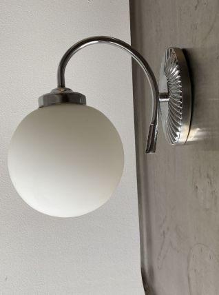 ANCIENNE LAMPE APPLIQUE MURALE EN OPALINE