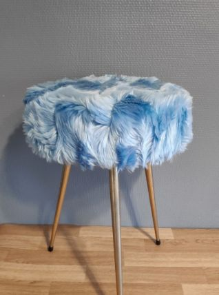 tabouret tripode moumoute bleue