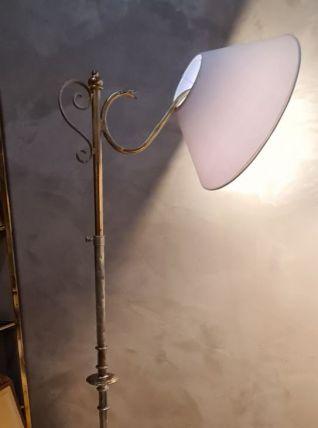 lampadaire fer  martelé  1960  peint or patiné ,réglable 180