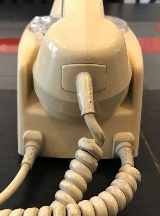 Téléphone vintage à cadran BC D76 TEMAT Quimper couleur ivoi