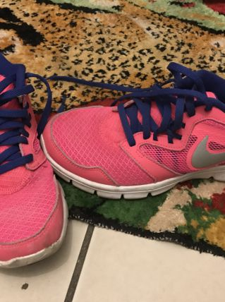 Nike free run rose et bleu