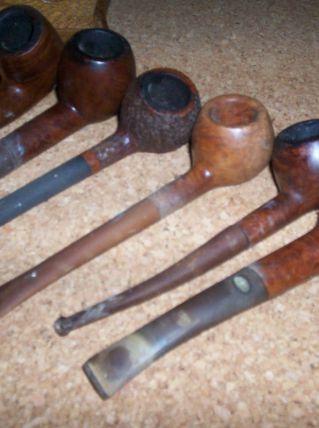 ancien porte-pipes + 6 anciennes pipes fumeurs