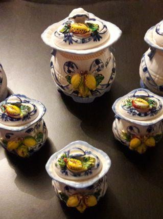 Lot de pots à épices en céramique
