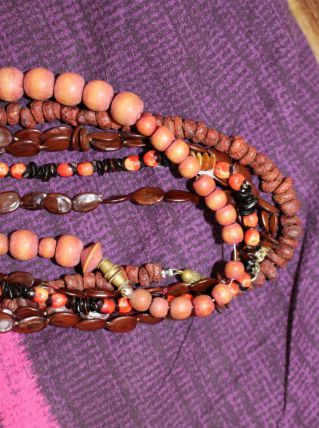 lot Colliers long style africain indien bois