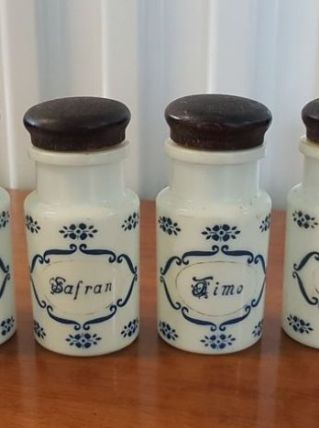 Lot dancien pot epice opaline