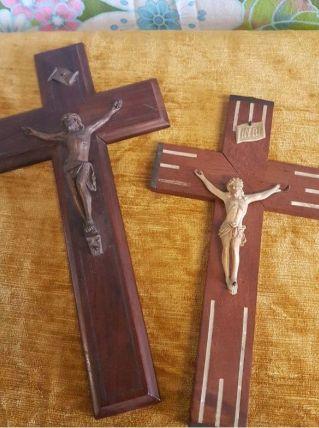 2 grande croix en bois