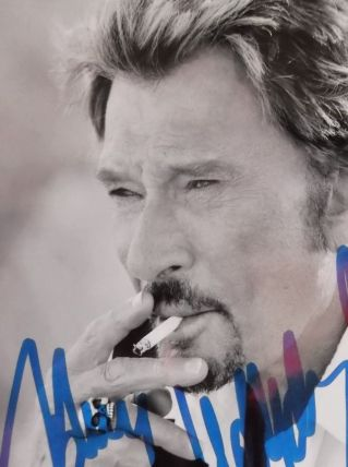 photo noir et blanc signée Johnny Hallyday excellent état 10